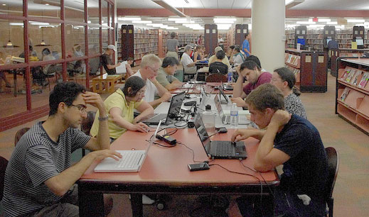 library patrons use computers