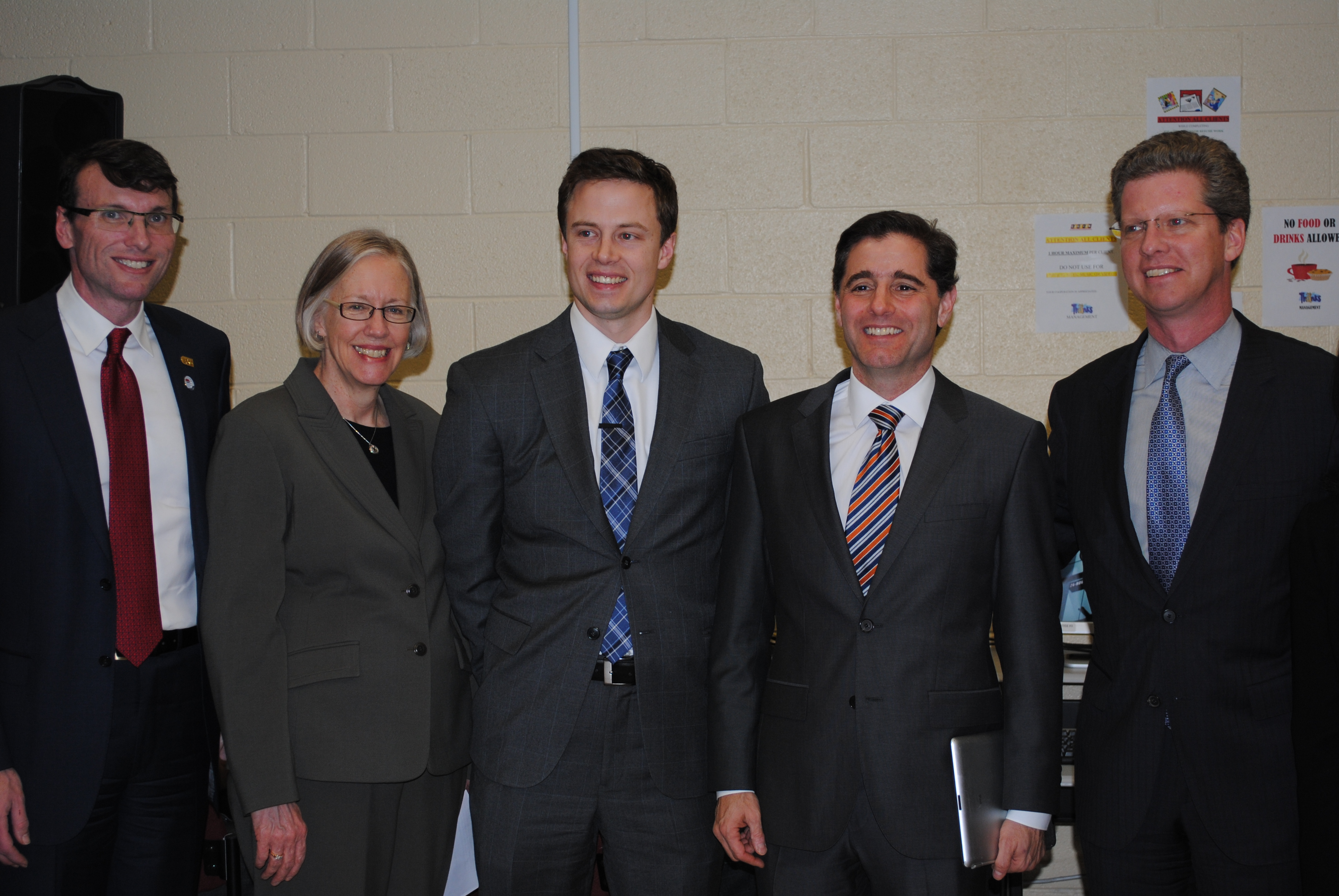 IMLS Director meets with partners at HUD