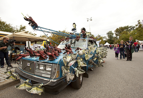 photo of the Sashimi Tabernacle Choir, a car covered with toy fish and lobsters