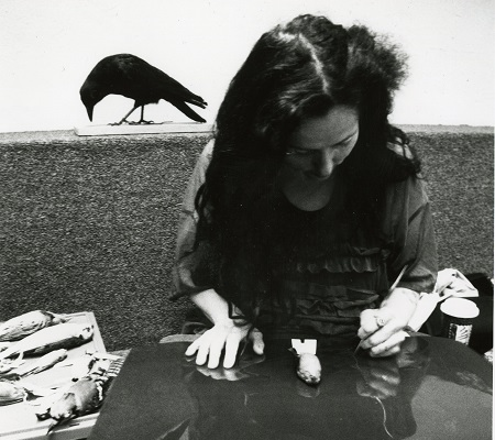 Kiki Smith sketching birds at the Carnegie Museum of Natural History
